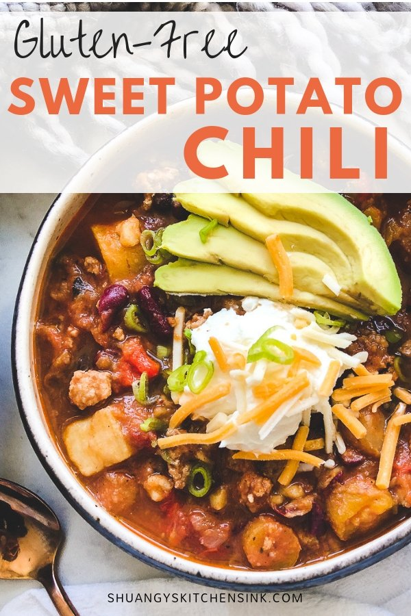 Sweet potato chili | This sweet potato ground turkey chili is the best healthy and quick gluten free dinner recipe. It is super easy to make it in a slow cooker or instant pot in 30 minutes! | Shuangy's Kitchen Sink #shuangyskitchensink #glutenfree #sweetpotato #turkeychili #healthychili #chilirecipe #realfoodrecipes