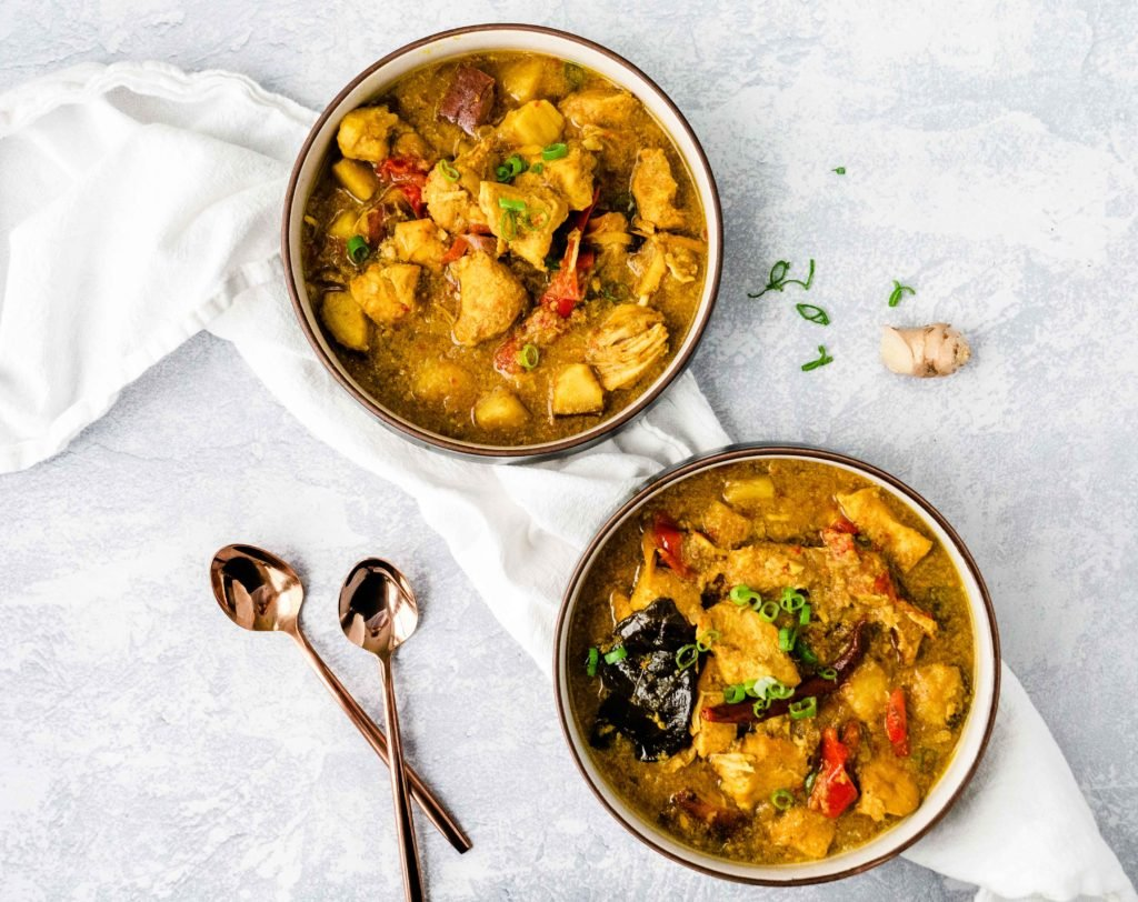 Thai Curry Chicken recipe | This crockpot curry recipe is SO good and good for you -- it's Paleo, gluten-free, dairy-free and Whole 30 compliant. With this easy slow cooker recipe for yellow curry, it'll be easy to get a healthy dinner on the table no matter how busy your day is! | Shuangy's Kitchen Sink #ShuangysKitchenSink #Whole30 #paleo #glutenfree #dairyfree #curry #curryrecipe #slowcooker #crockpot #Thairecipe #Thaifood #healthyrecipe #easyrecipe #yellowcurry