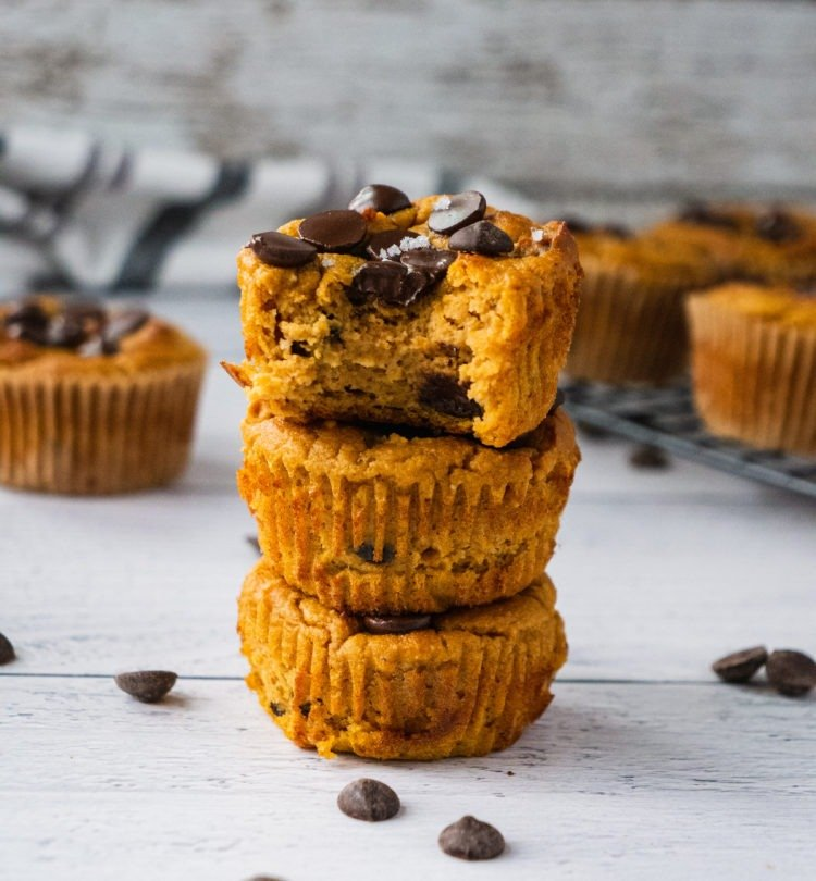 Healthy Peanut Butter Banana Muffins {Video}