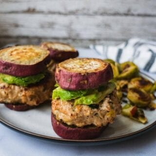 Paleo Turkey Burger with Sweet Potato Buns |These paleo turkey burgers are so juicy and flavorful inside and crispy outside. Paired with THICK sweet potato buns, these healthy turkey burgers make the perfect whole 30 meal and summer grill party. This turkey burger recipe is also high protein, low carb, gluten free and paleo. |#paleorecipe #whole30approved #whole30recipe #healthydinner #burgerrecipe #healthyfood #turkeyburger