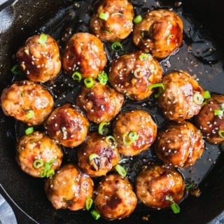 Whole30 Sticky Asian Meatballs   Juicy and flavorful meatballs topped with homemade sticky Asian sauce. These delicious Whole30 Sticky Asian Meatballs are not your average Chinese takeout food. It is not only so easy to make, but also paleo, gluten free, dairy free and keto friendly. #whole30 #whole30meatballs #whole30recipe #paleo #paleorecipe #whole30dinner #meatballs #chinesefood