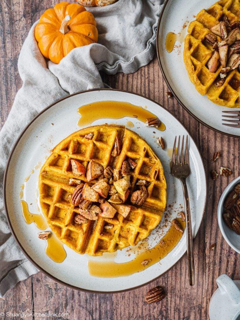 Healthy Pumpkin Waffles (Paleo, Gluten Free)