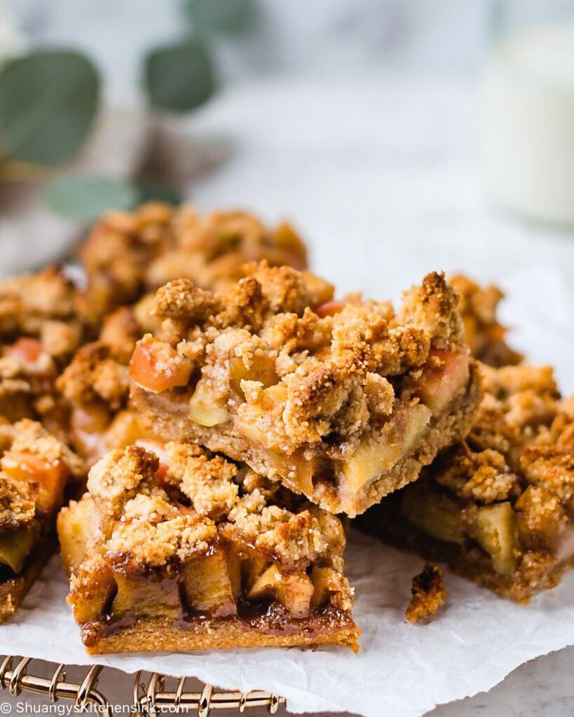 vegan and gluten-free apple crumble bars