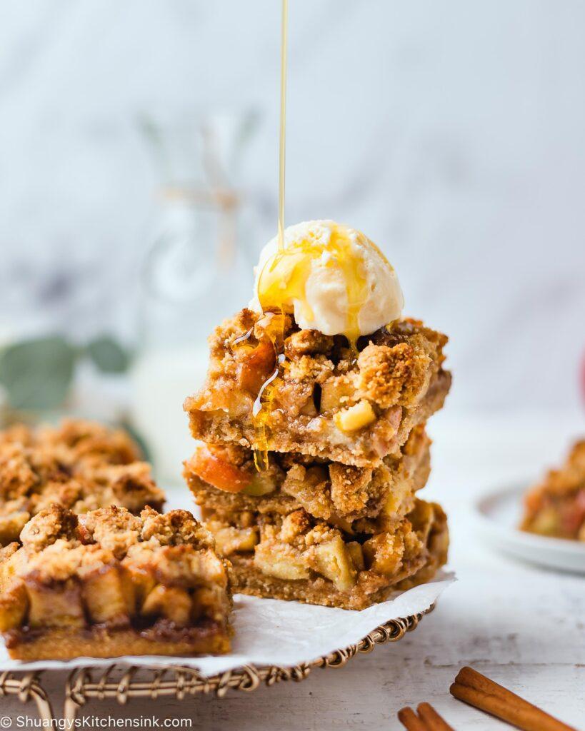 Apple Pie Crumble Bars
